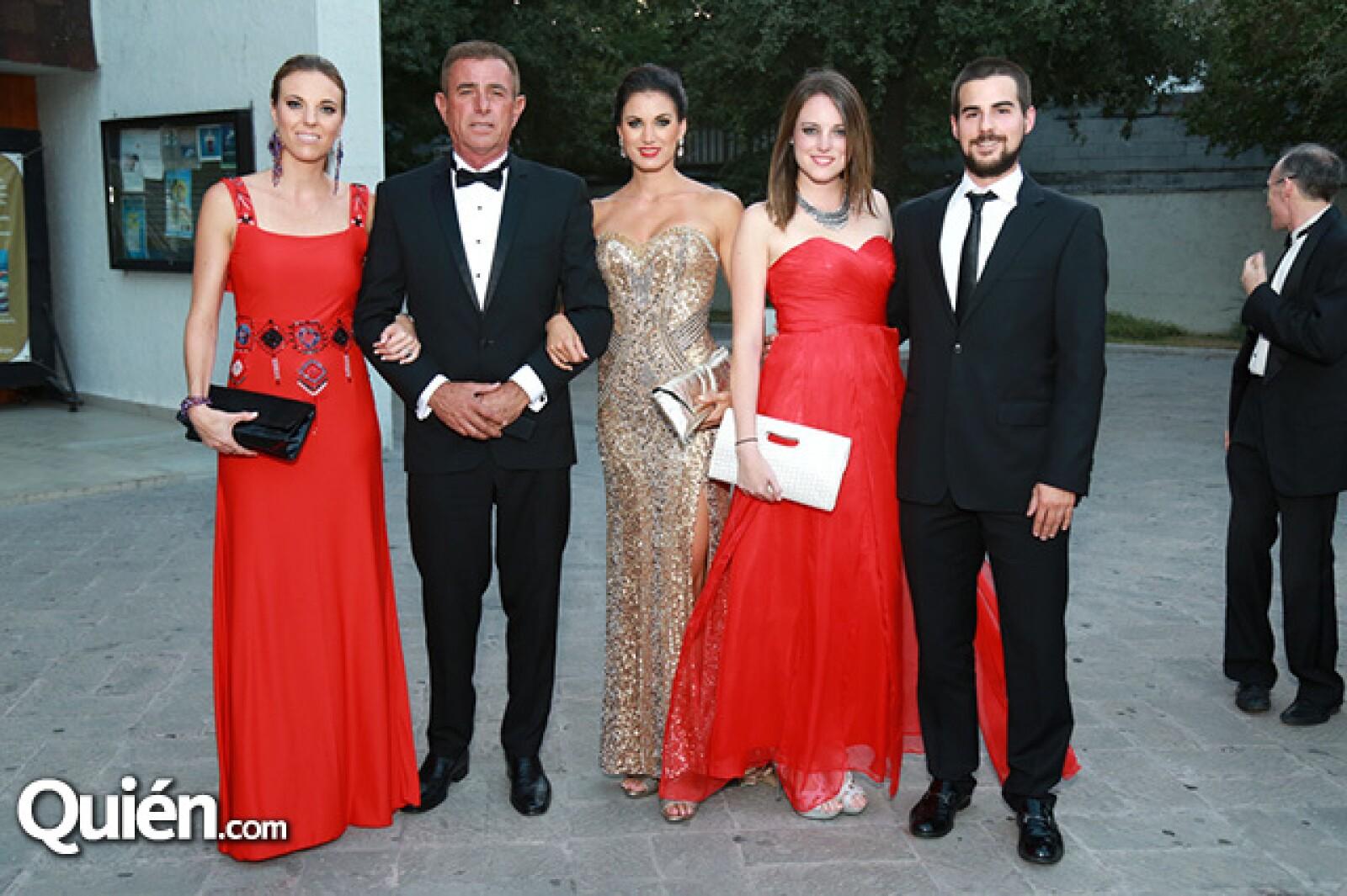 Andrea Bracho,Ernesto Bracho,Valeria Bracho,Bárbara Bracho y Héctor Toyas.