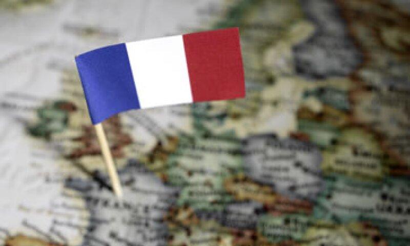 La calificadora dijo que los recortes en el presupuesto para 2013 limitaron el tamaño de la rebaja a la nota francesa.  (Foto: Getty Images)