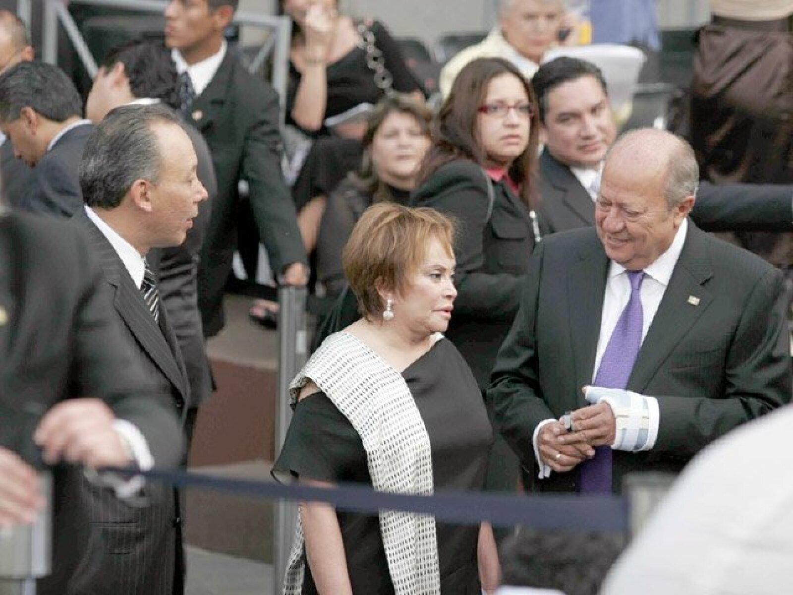 El gobernador de Chihuahua, José Reyes Baeza; la dirigente del SNTE, Elba Esther Gordillo y el líder de los petroleros, Carlos Romero Deschamps.