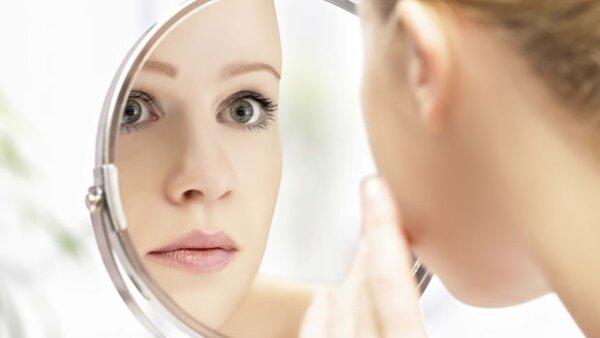 ¿Haz probado productos de todo tipo y tu piel no se ve sana? Tal vez no sepas qué tipo de piel tienes. Te ayudamos a identificarla y a tratarla.