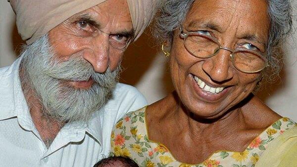 En la India una mujer cumplió su sueño de ser mamá a pesar de su edad, aquí te contamos esta increíble historia.
