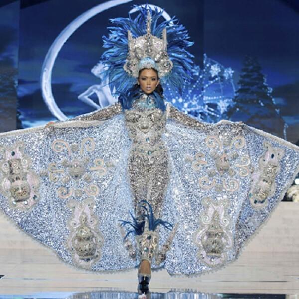 Este miércoles se llevará a cabo en Las Vegas, Nevada, la final del certamen Miss Universo 2012. Miss Nicaragua, Farah Eslaquit Cano, camina por la pasarela en traje típico.