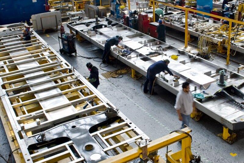 Su objetivo principal es integrar a los trabajadores a los procesos especializados de Manufactura de la firma