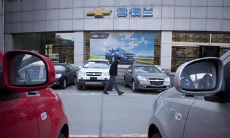 GM invierte anualmente 1,000 millones de dólares en China. (Foto: AP)