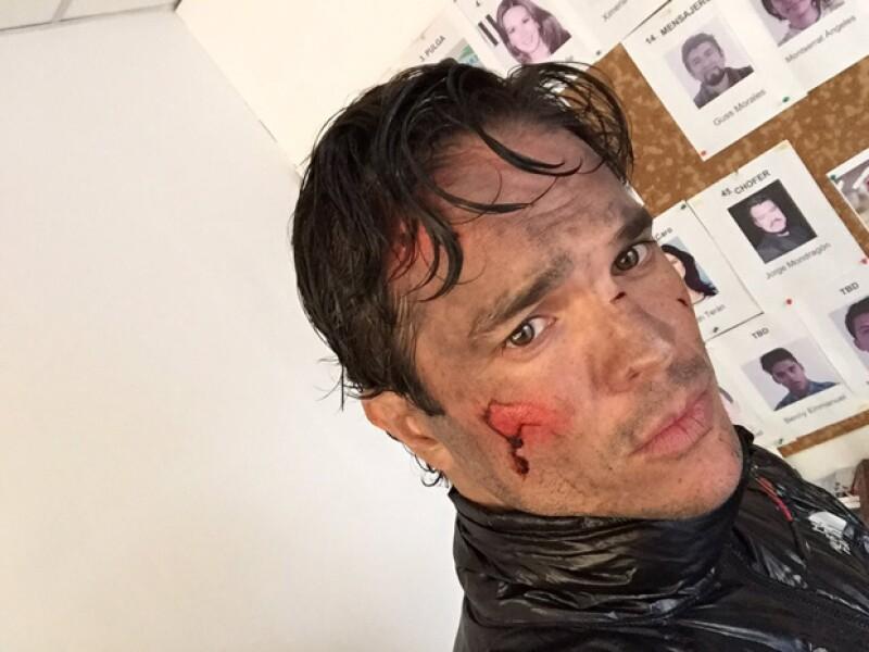 Por culpa de los químicos del maquillaje, el actor ha perdido parte de la visión en uno de sus ojos.