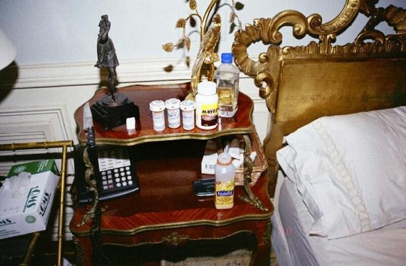 Se dieron a conocer varias fotografías de la habitación donde peridó la vida el rey del pop el pasado 25 de junio de 2009.