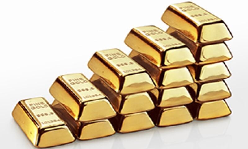 En unos 1,666 dólares la onza, el oro permanece un 13% por debajo del máximo histórico. (Foto: Getty Images)