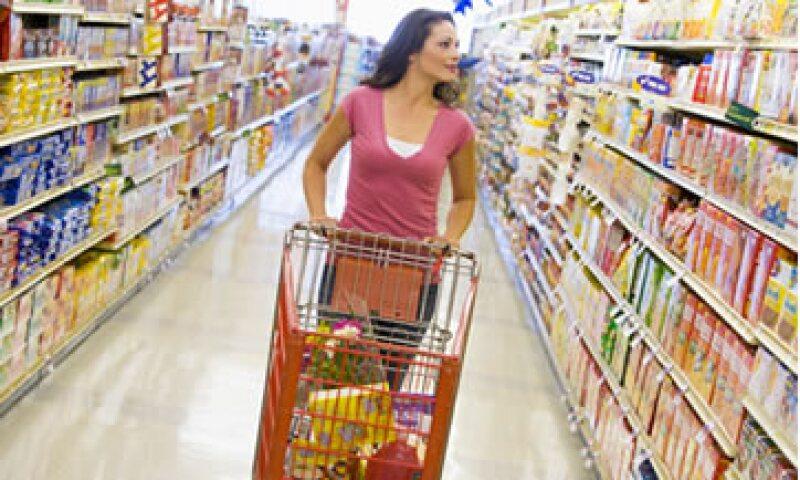 En el primer trimestre los autoservicios aumentaron 1.1% sus ventas a tiendas iguales, y las departamentales lo hicieron en 8.1%. (Foto: Thinkstock)