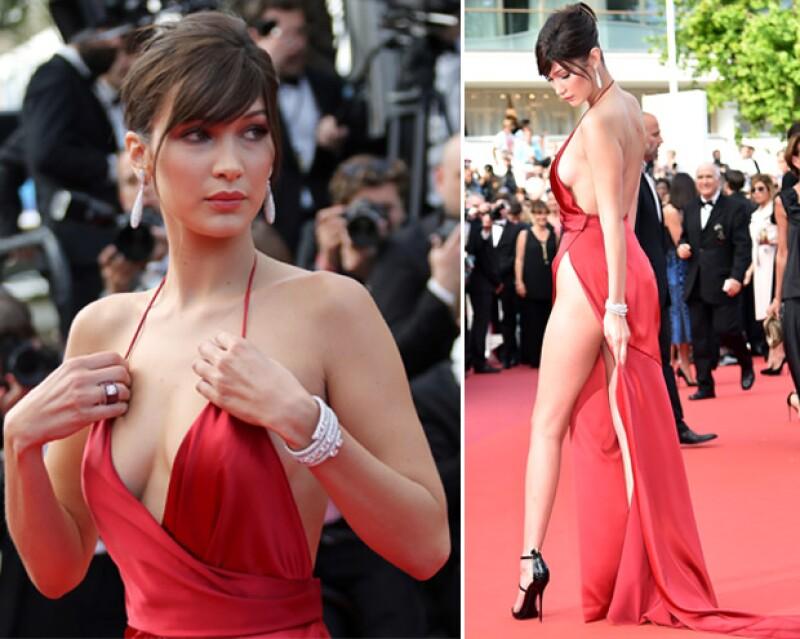 Bella trataba de que su vestido luciera perfecto y que no sufriera ningún wardrobe malfunction.