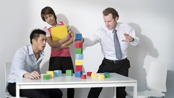 El juego permite interactuar con otros de manera creativa, fortalece las relaciones y aumenta la confianza. (Foto: Getty Images)