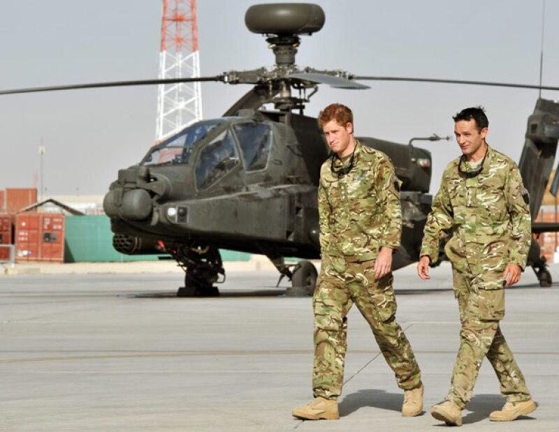 El hijo menor del príncipe Carlos seguirá en dicho país trabajando como piloto de helicóptero Apache. En 2007 tampoco pudo disfrutar estas celebridades por la misma razón.