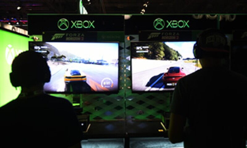 Microsoft pretende impulsar el uso de la consola Xbox con el juego Minecraft. (Foto: AFP)