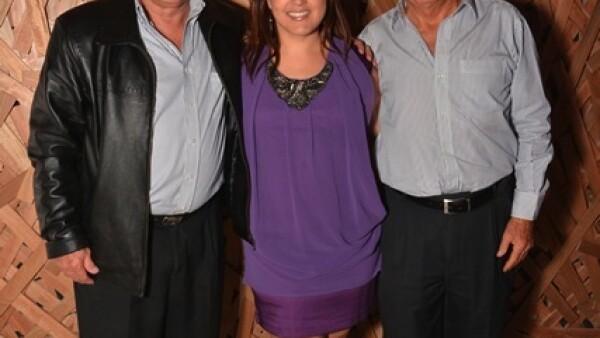 Cesar González,Mariana González,José Luis Beas