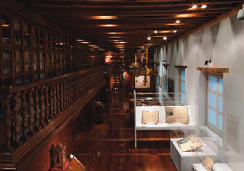 El corazón del museo. La biblioteca conserva la ambientación de la casa del coleccionista alemán. (Foto: Gunther Sahagún)