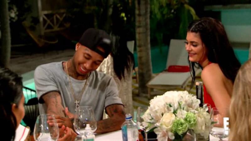 Finalmente y luego de haberse anunciado, el novio de la menor de las Kardashian finalmente hace su primera aparición en el promo de la siguiente temporada.