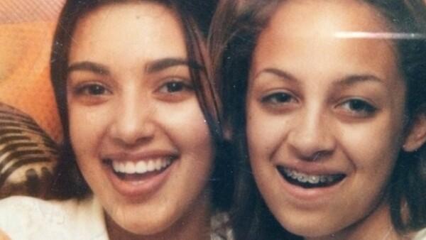 Ayer la estrella de reality show subió una foto en Instagram donde aparece con la hija de Lionel Richie cuando eran unas preadolescentes.