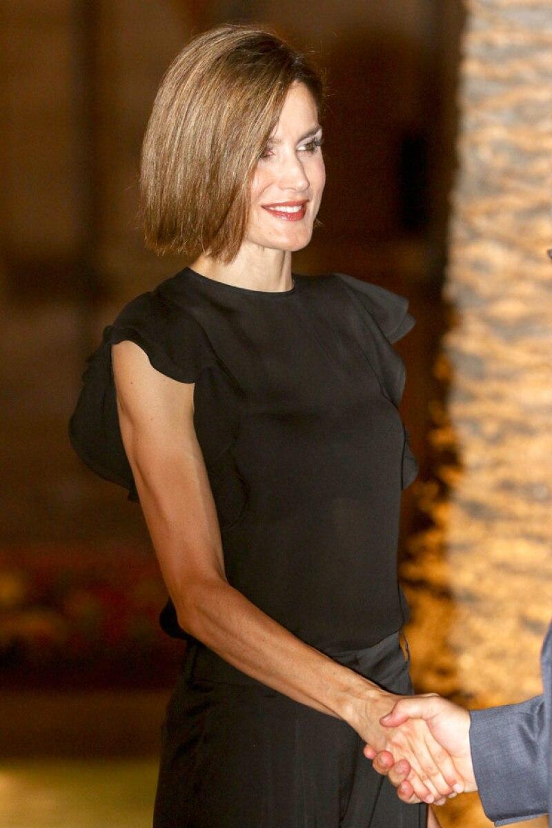 Los delgados brazos de la Reina Letizia de España ponen en duda su salud.
