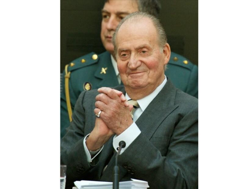 Desde hace unos meses Albert Solá Jiménez e Ingrid Jeanne Satiau pidieron a una corte que el monarca se sometiera una prueba de paternidad ya que ambos aseguran que él es su padre.