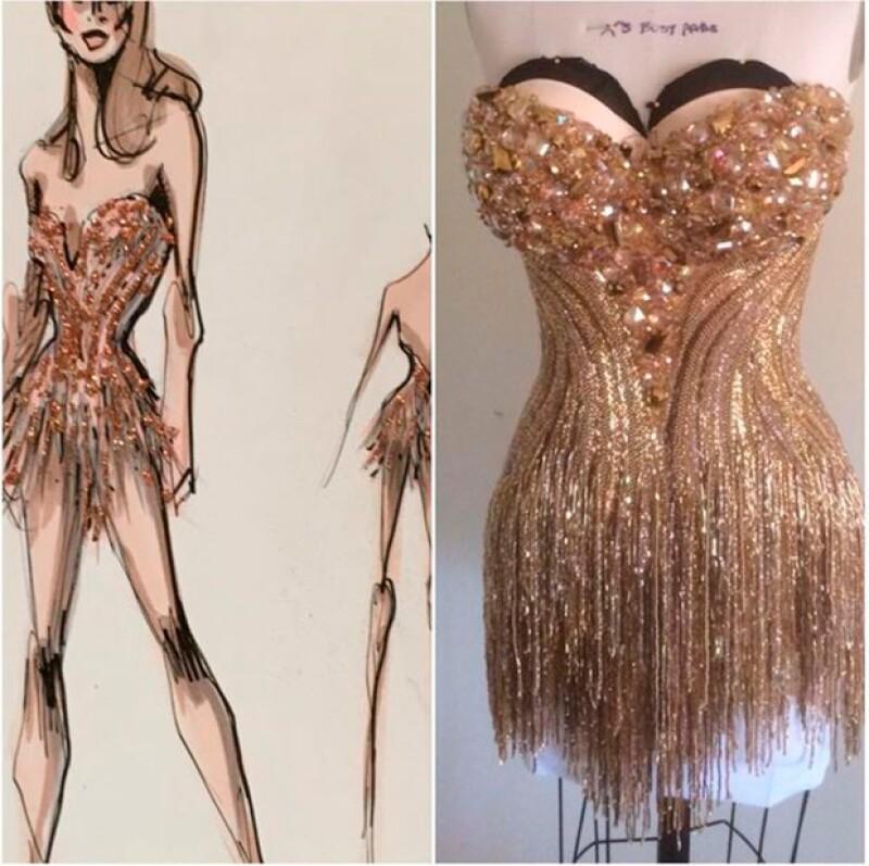 El vestido de Sofía Vergara fue confeccionado con pedrería y pesó más de 11 kilos.