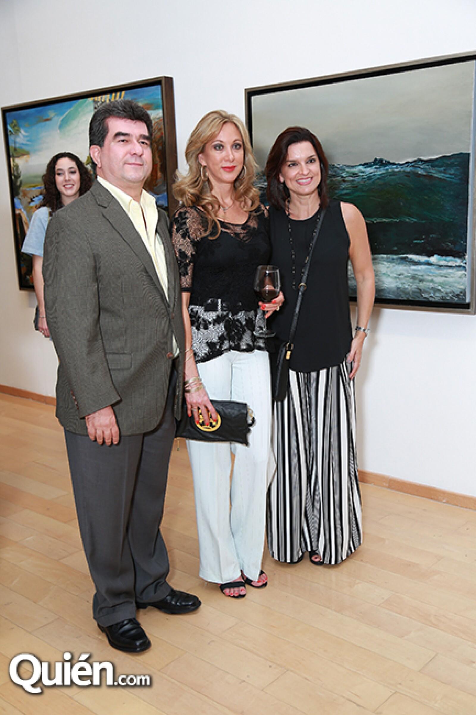 Jorge Gámez,Ana Georgina González de Gámez y Zandra Gámez de Meouchi