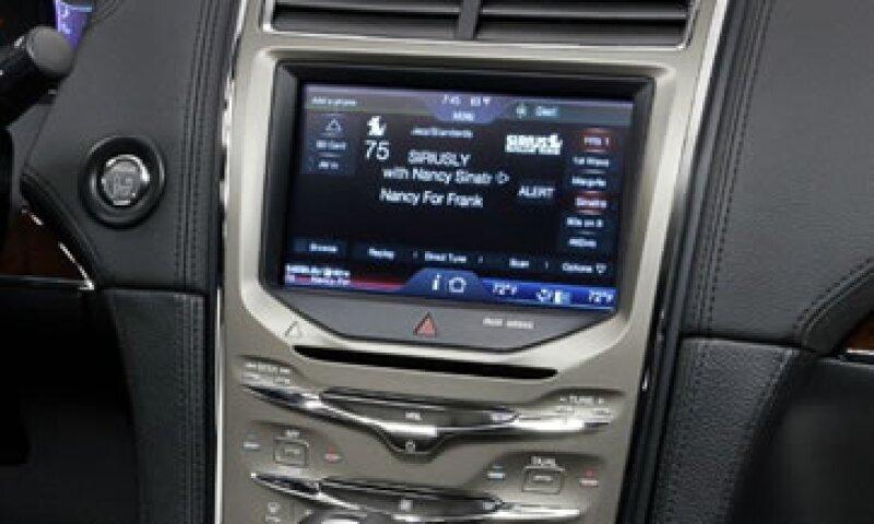 El liderazgo de Android mantiene con cautela a las automotrices. (Foto: Cortesía de Fortune)