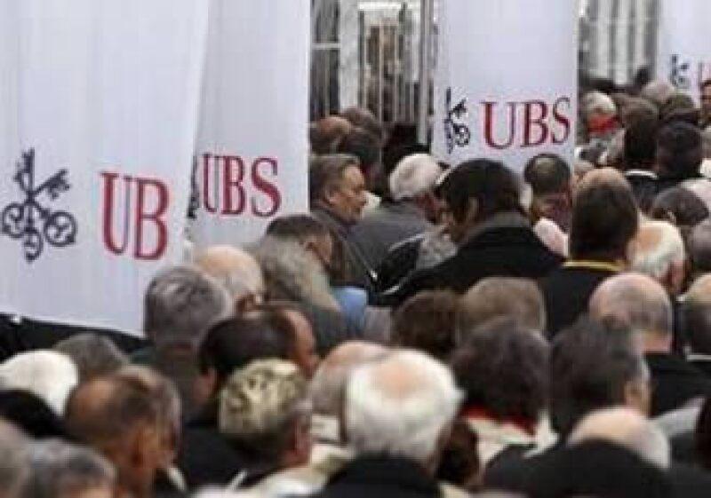 UBS afronta las consecuencias de un conflicto con el Gobierno estadounidense por fraudes fiscales. (Foto: Reuters)