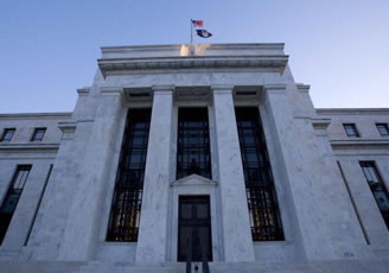 El proyecto requiere a la Fed dar a conocer a más tardar el 1 de diciembre los nombres de los bancos que recibieron su ayuda. (Foto: AP)