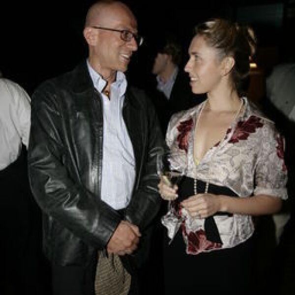 Oscar Román, Alana Savoir