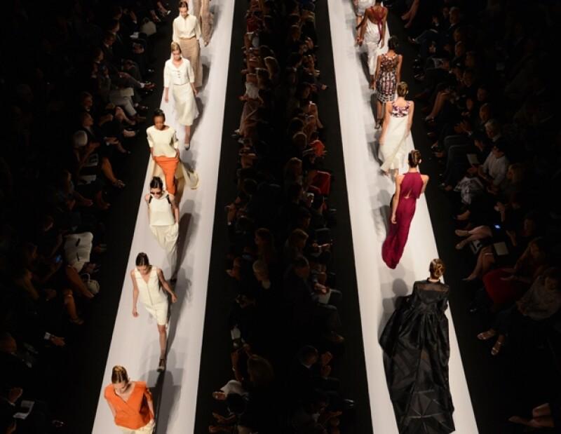 La consolidada diseñadora venezolana presentó su colección estival en el Marco de la Semana de la Moda neoyorquina. Diseños gráficos, vaporosos y uberfeminos caracterizaron su muestra.