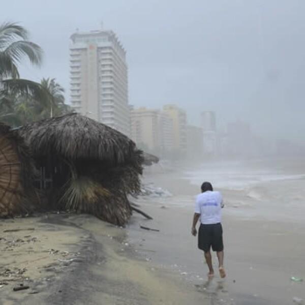 Acapulco inundado por el ciclon Manuel