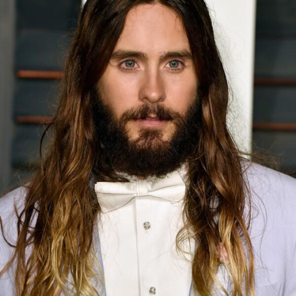 Para la entrega del Oscar, lucía una barba más abundante y su eterno ombré.
