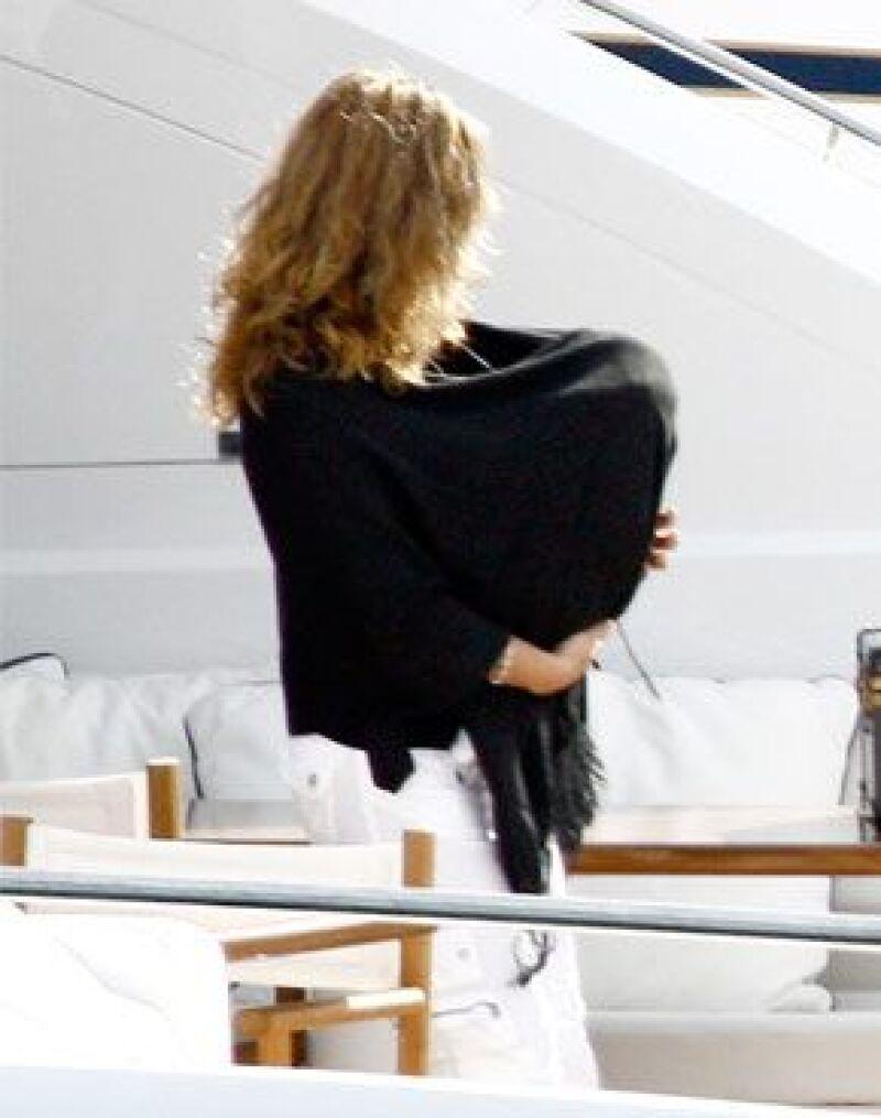 El primer hijo varón, del cantante Luis Miguel habló en el programa Todobebé que conduce su mamá.