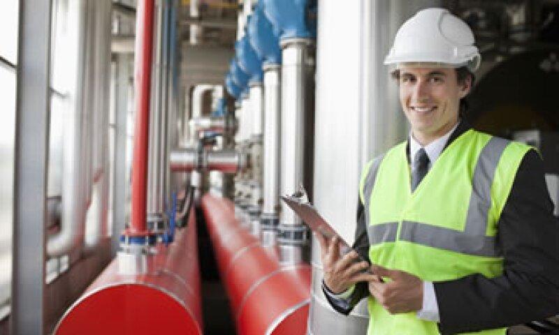 Industrias como la petroquímica y petrolera son de las más expuestas a riesgos. (Foto: Getty Images)