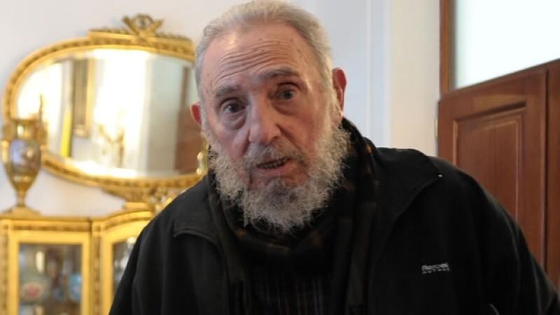 El líder de la revolución cubana Fidel Castro le pidió a los ciudadanos de su país que lo mantengan al tanto de lo que ocurre en la isla