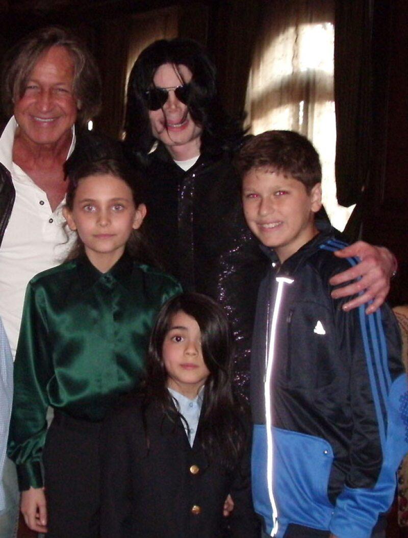 Michael se hizo cargo de sus tres hijos incluso después de su divorcio y del proceso in vitro.