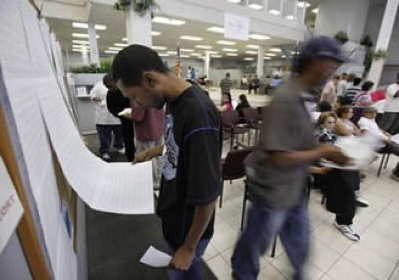 BestBuy dijo que contratará a 29,000 empleados para la época de fiestas. (Foto: AP)