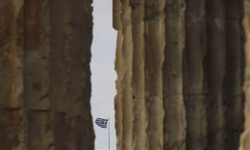 Fitch es la tercera de las grandes agencias en recortar a Grecia hacia el territorio de la moratoria. (Foto: AP)