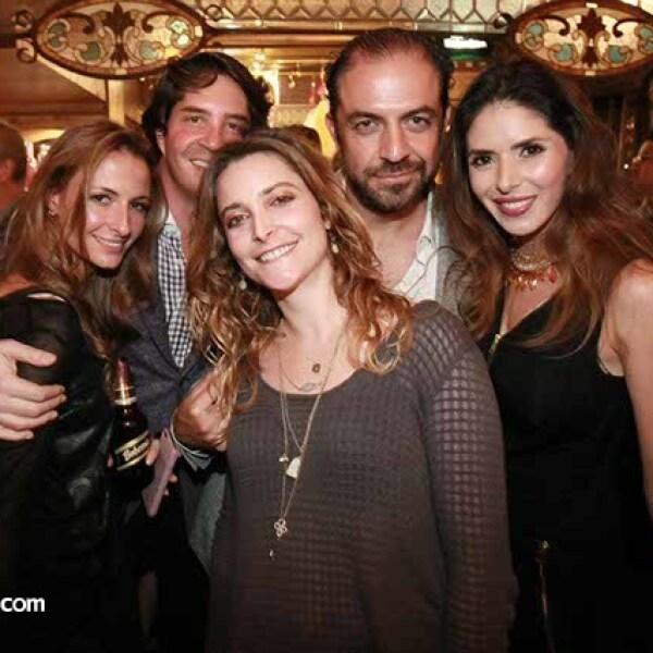 Melissa Calvo,Rodrigo Zúñiga,Daniela Bustamante,Luis Arizaga y Paola Ezquerro