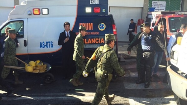 El Ejército y la Gendarmería también están en la zona para apoyar en labores de rescate.