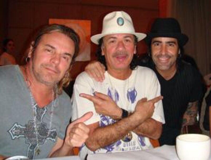 La noche del lunes, el músico tapatío se reunió con Fher Olvera y Alex González en el restaurante De Santos, donde recordaron la gira que hicieron juntos en 1999.
