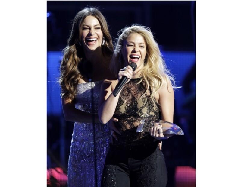 Shakira fue una de las más grandes ganadoras de la noche, al ser quien se llevara el Grammy por Mejor Álbum Vocal Pop Femenino.