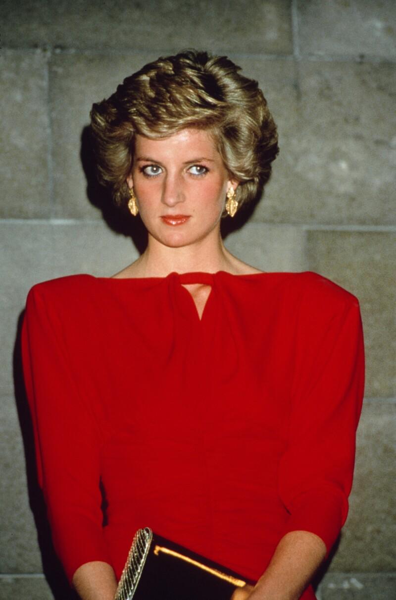 Diana In Shoulder-Pads