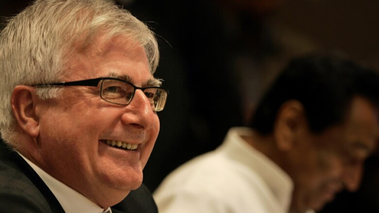 Es el ministro de Comercio y Cambio Climático de Nueva Zelanda.