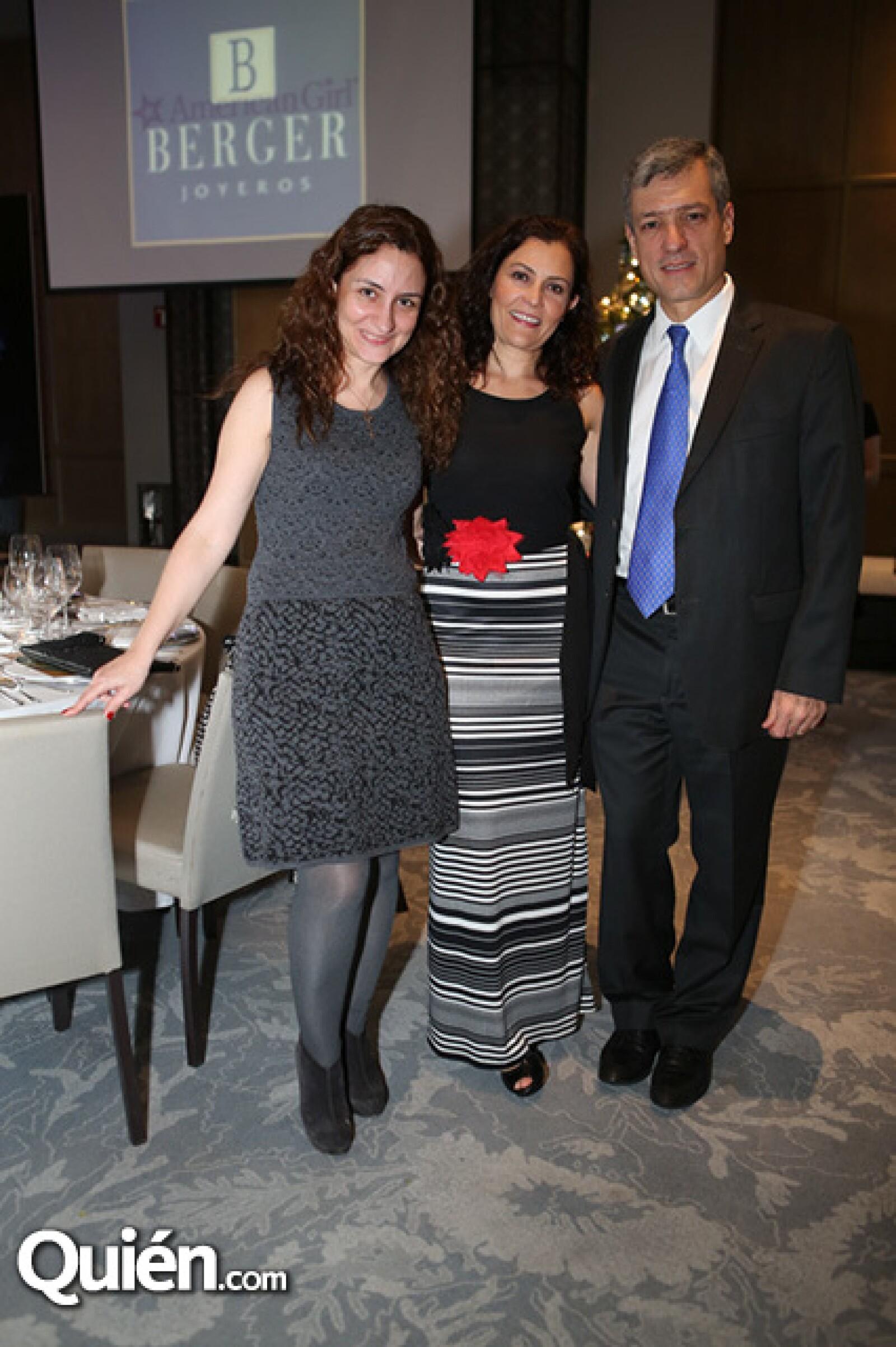 Cristina Lorenzo,Guadalupe Ocerin y José Miguel Ocerin