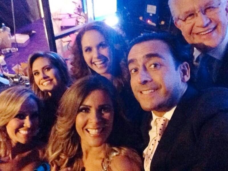 A cinco meses de la revelación de imágenes de la cantante durante un día de cacería con su novio, el empresario Michel Kuri, la también conductora asistió al Teletón El Salvador.