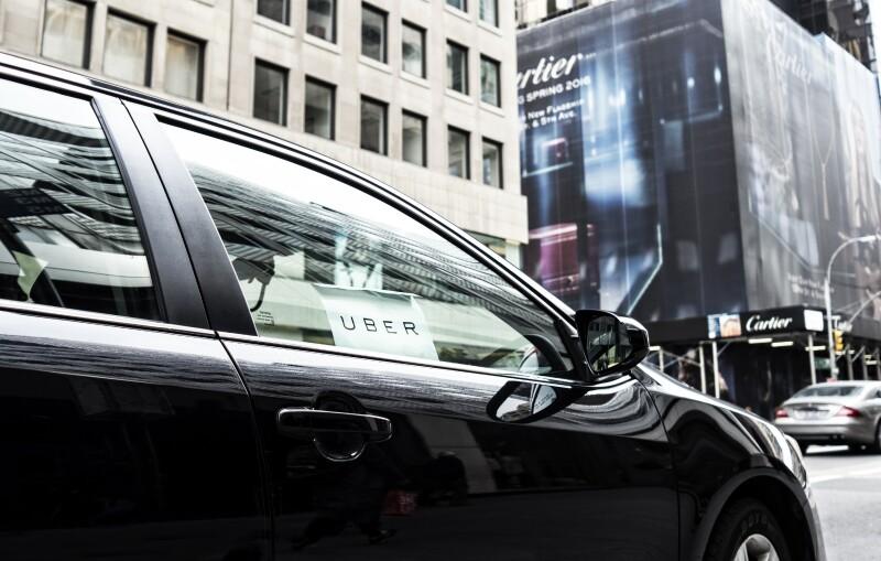La firma de movilidad comienza a delimitar su plan para incorporar autos que se manejan solos.