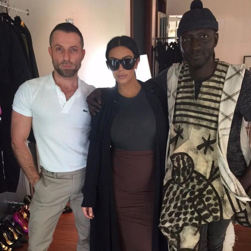 """""""Jenke y yo nos conocimos con uno de mis diseñadores favoritos ayer en Paris!!! Gracias AlexandreVauthier por el día tan divertido! No puedo esperar por estos looks!!!"""" escribió junto a la foto."""