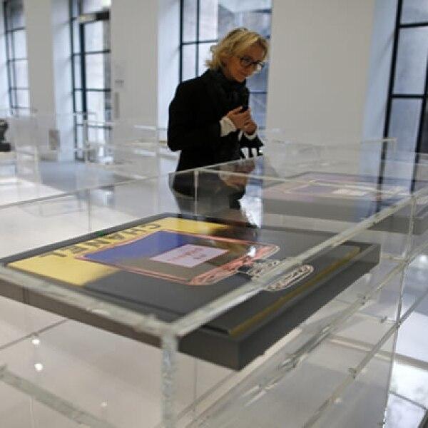 110 vitrinas conforman la exposición que retrata el entorno de  'Coco'.