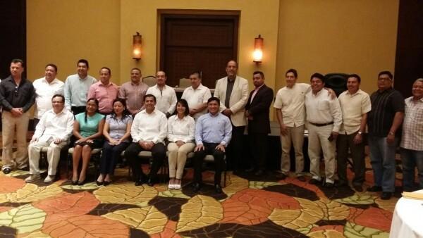 Los operadores jurídicos y académicos se dijeron en desacuerdo con las aprobaciones recientes en el Congreso de Quintana Roo por lo que proponen la desaparición de poderes.