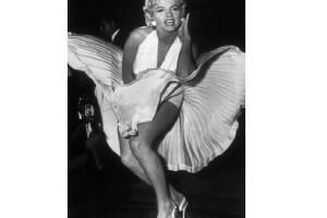 Este sexy vestido sigue siendo muy recordado por todos los fanáticos de la actriz.